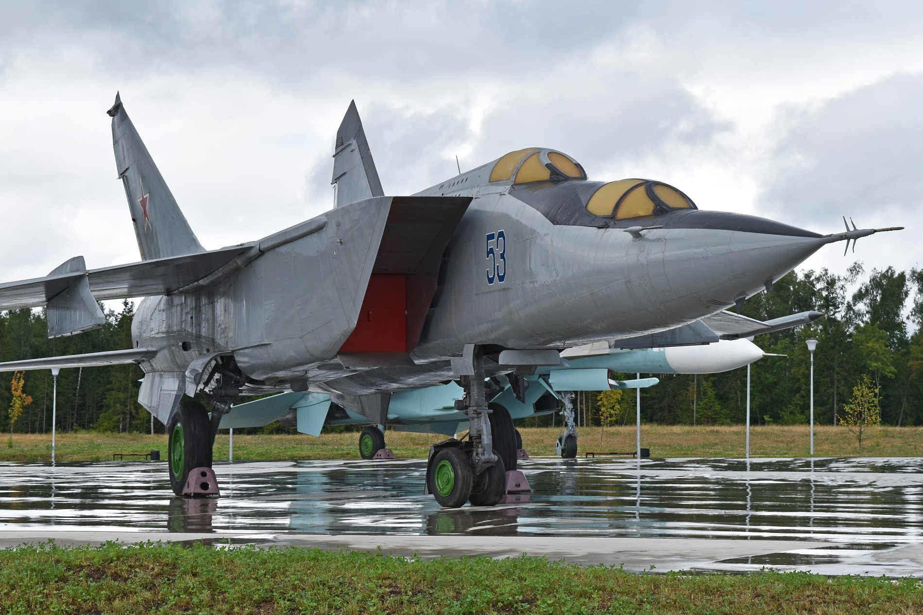 Top 10 Fastest Fighters Jets In The World