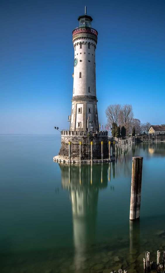 Top 15 Most Famous Light Houses In The World